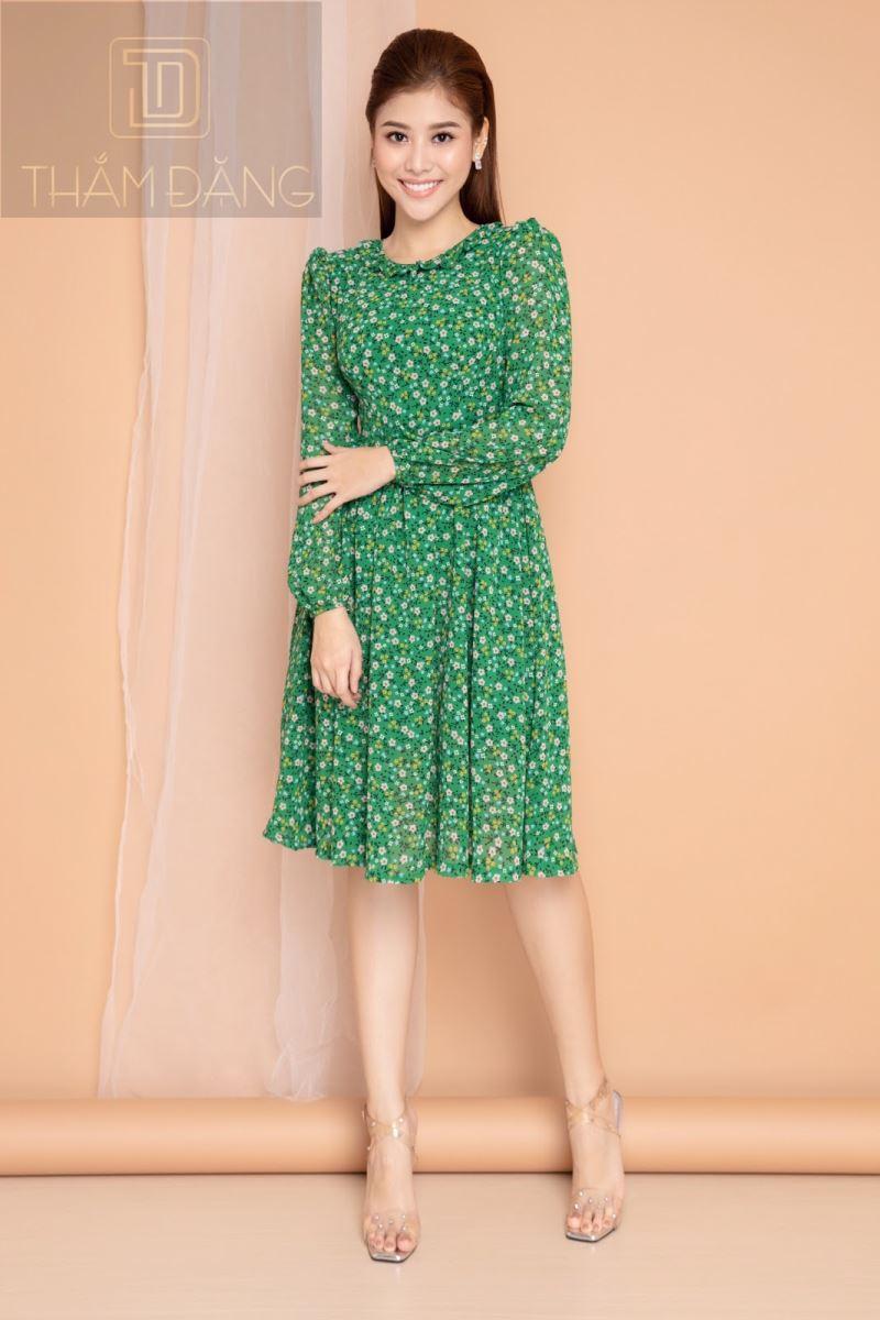 Đầm xòe gam màu xanh lá
