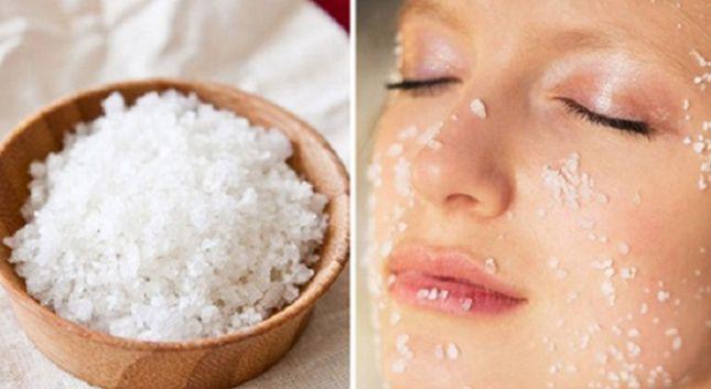 tẩy da chết cho môi bằng muối