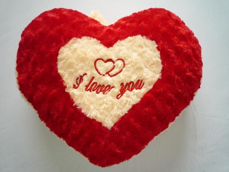 Gối tình yêu tặng bạn trai