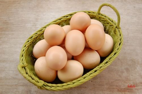 Protein trong trứng gà giúp kích thích các mô mỡ ngực phát triển nhưng lại không gây tích tụ mỡ bụng