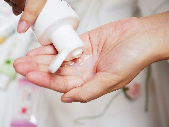 Có thể sử dụng dung dịch vệ sinh phụ nữ để làm sạch vùng kín sau quan hệ