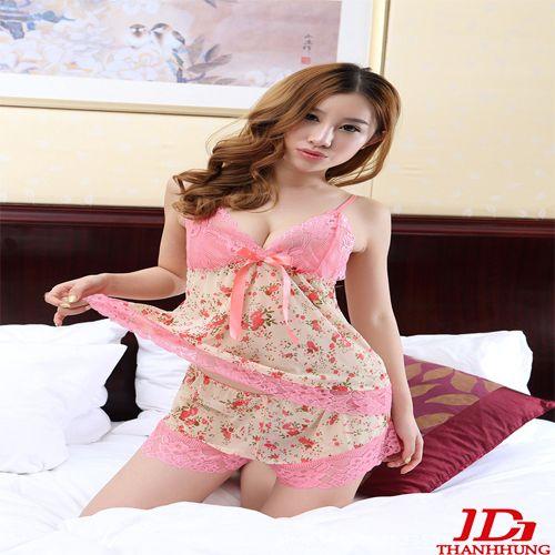 Bộ đồ ngủ hoa ren hồng