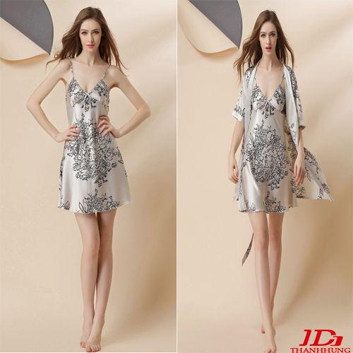 Bộ váy ngủ kèm áo choàng phi lụa gợi cảm thoáng mát
