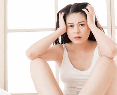 rụng tóc sau sinh có đáng sợ không