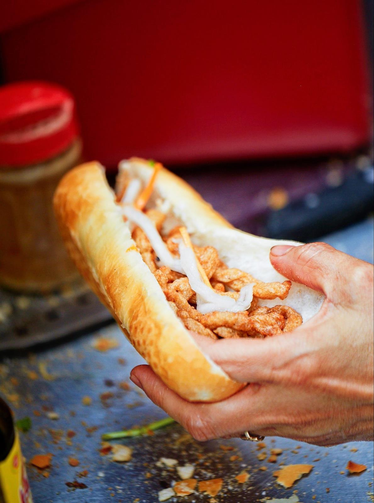 Top 5 Quán Bánh Mì Lâu Đời Vẫn Giữ Chân Khách Hàng Tại Sài Gòn 10
