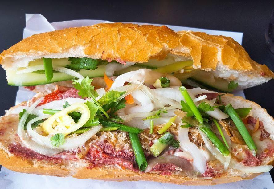 Top 5 Quán Bánh Mì Lâu Đời Vẫn Giữ Chân Khách Hàng Tại Sài Gòn 7