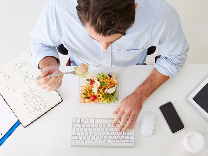 Top 7 Thói Quen Ăn Uống Không Tốt Cho Sức Khỏe 7