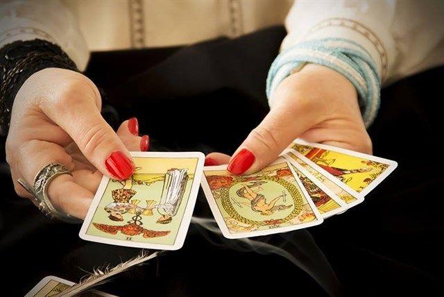 Lợi ích xem bói bài tarot giúp bạn thoải mái tinh thần hơn trong cuộc sống