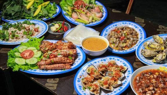 Top 10 Món Ăn Bạn Nên Thử Khi Đến Đà Nẵng 11