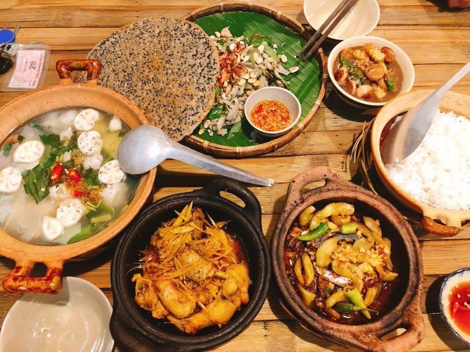 Top 05 Địa Chỉ Quán Ăn Của Người Nổi Tiếng Tại TPHCM 4