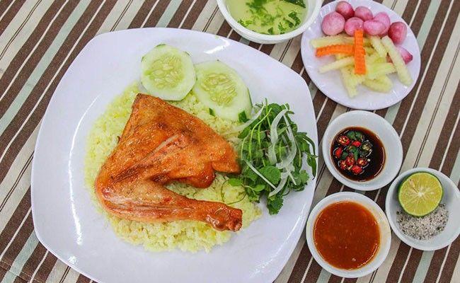 Top 10 Món Ăn Bạn Nên Thử Khi Đến Đà Nẵng 7