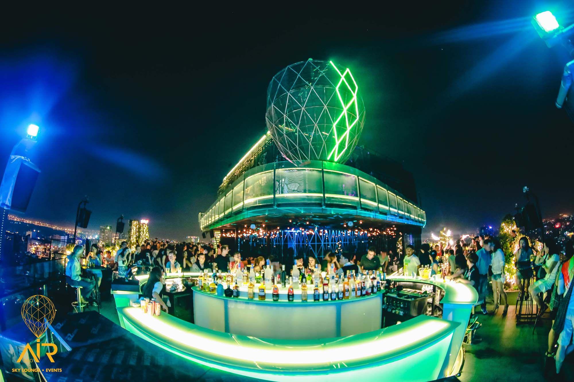 Top 10 Quán Bar Nổi Tiếng Nhất Sài Gòn Nhất Định Bạn Phải Biết 2