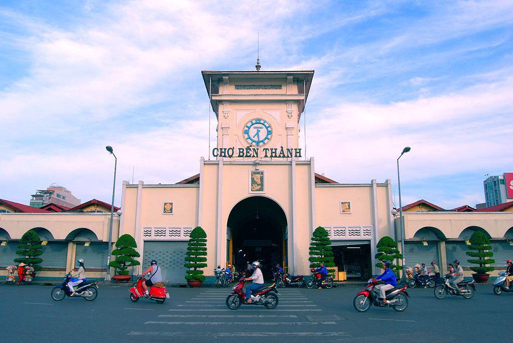 Top 5 Khu Chợ Ở Sài Gòn Được Mệnh Danh Là Thiên Đường Ẩm Thực 1