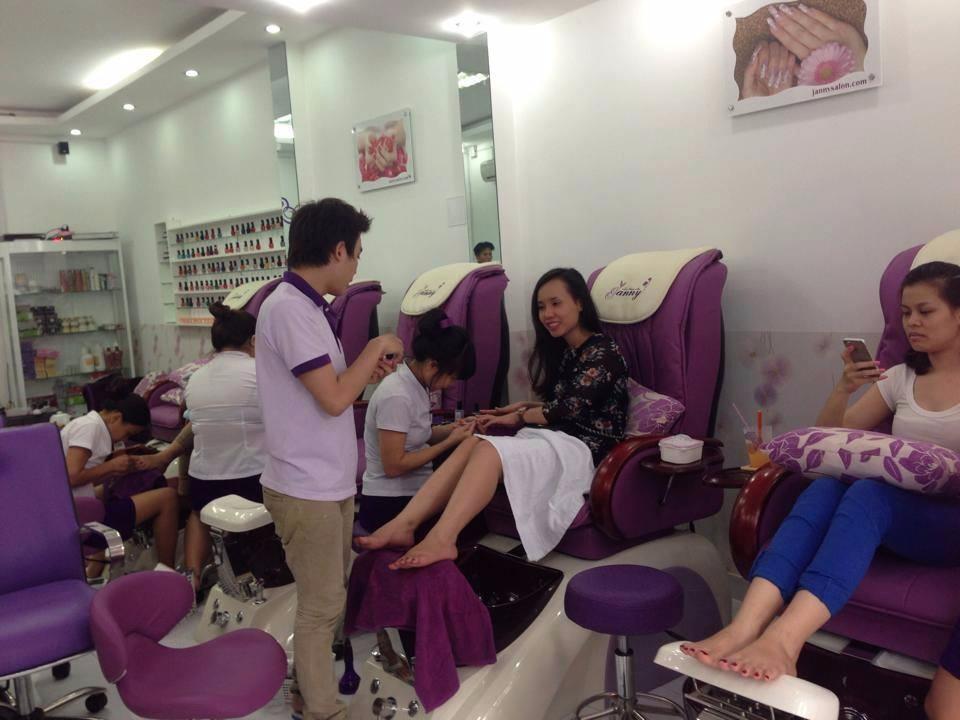 Top 5 Tiệm Nail Giá Rẻ Được Yêu Thích Tại Hồ Chí Minh 8