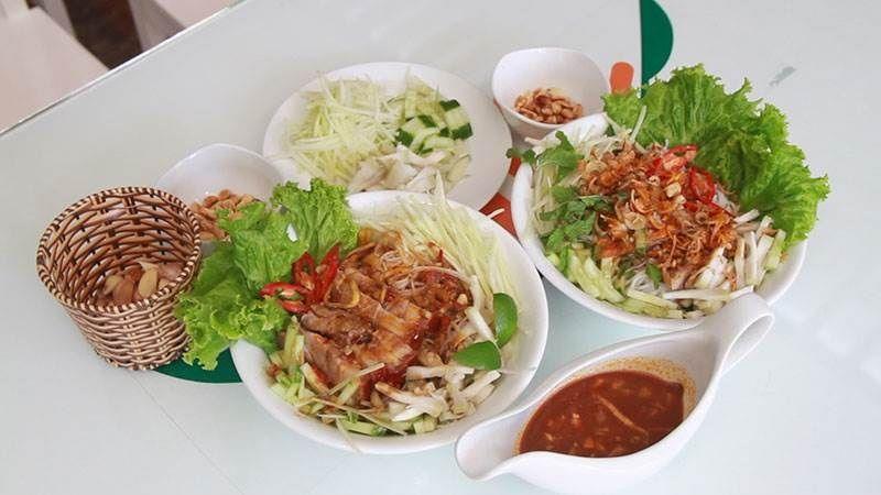 Top 10 Món Ăn Bạn Nên Thử Khi Đến Đà Nẵng 3