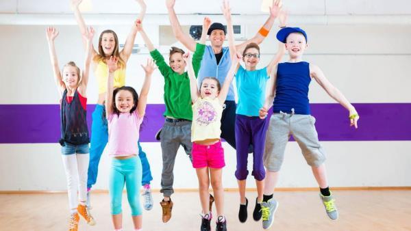 Top 07 Lợi Ích Tuyệt Vời Cho Trẻ Khi Học Nhảy ZUMBA 1