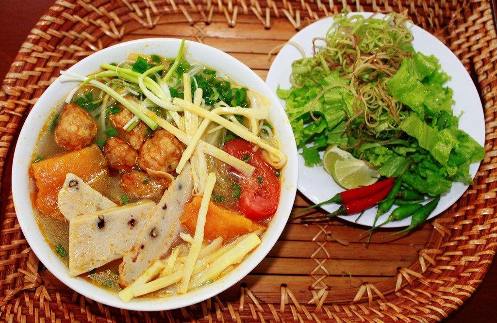 Top 10 Món Ăn Bạn Nên Thử Khi Đến Đà Nẵng 2