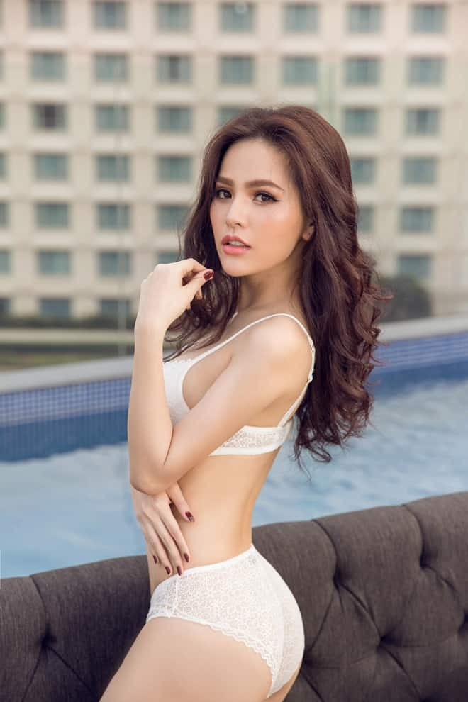 Tiểu sử Phi Huyền Trang