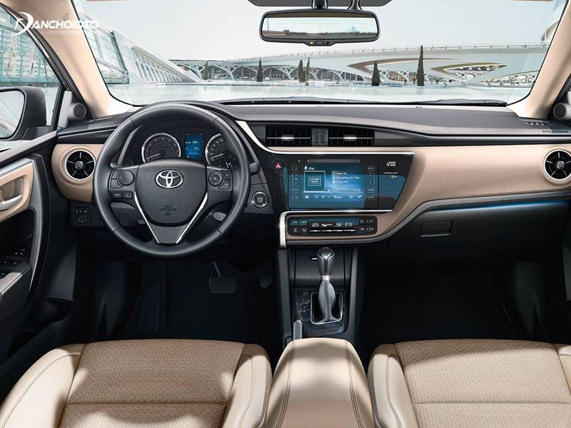 Toyota Corolla Altis có trang bị tiện nghi không quá thua kém so với Mazda 3