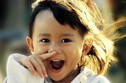 Ghi lại nụ cười trẻ thơ cùng Khoảnh khắc Việt Nam